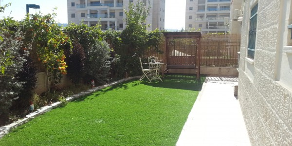 Rabbi Yanai Street | Yard - Apartment for Sale in Sheinfeld