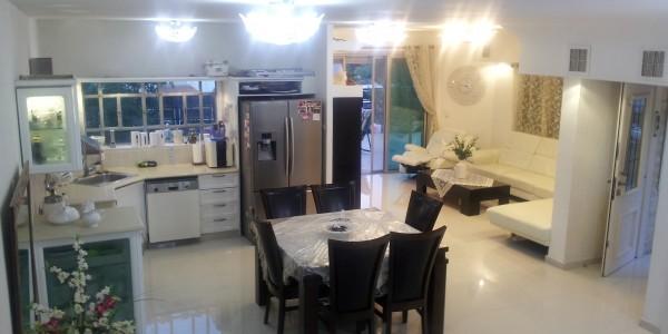 Sderot HaDekel | Downstairs - House for Sale in Beit Shemesh