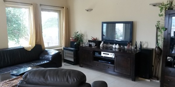 Sinai Street | Living Room - House for Sale in Beit Shemesh